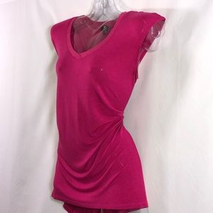 🌞Cable & Gauge asymmetrical hem pink top $24 OBO